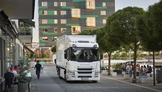 Scania testaa sähkökuorma-autoja Tukholmassa