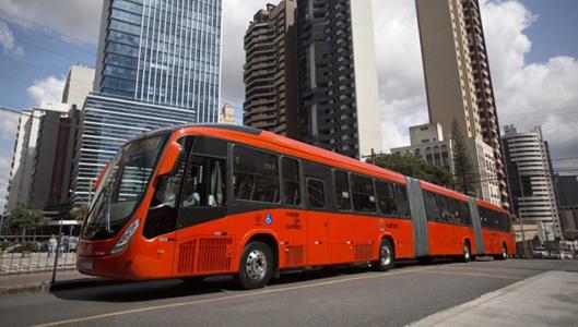 Kaksinivelinen BRT-linja-auto Volvo B340M