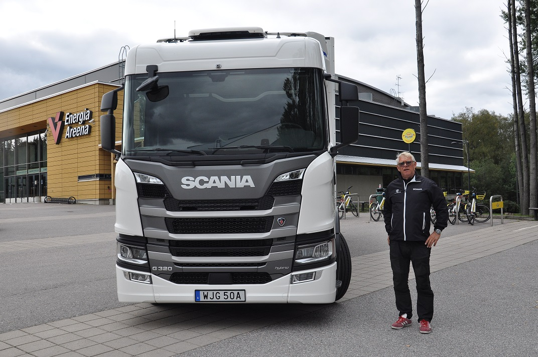 Sähkö-dieselhybridi Scania G 320