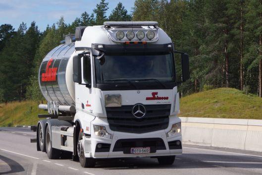 Kiitosimeon Oy ajaa paljon vaarallisten aineiden kuljetuksia (VAK)